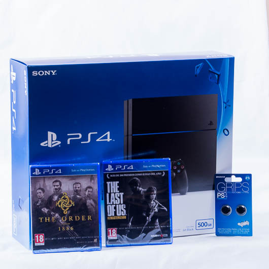 CONSOLA PS4 500GB  + The last of us + The Order